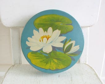 Vintage Flower Tin, Vintage Round Tin, Biscuit Tin, Candy Tin, Water Lily Tin, Blue Tin, Floral Tin, Cookie Tin, Vintage Metal Box