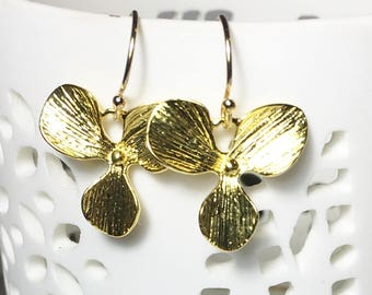 Gold Flower Earrings, Gifts for Mom, Petal Drop Earrings