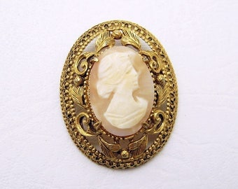 Large Shell Cameo Brooch Florenza Vintage Jewelry P6937