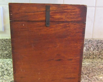 Wonderful antique wood glass slide case- dovetail joints, hinged lid- very nice condition and includes one glass slide photo