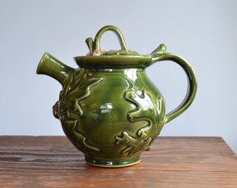 Teapot ceramic holiday serving oak leaf acorn, glazed in green, handmade stoneware by hughes pottery