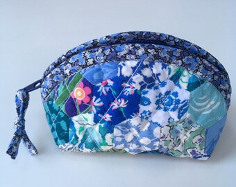 Small Liberty fabric Japanese style patchwork purse in Liberty Tana Lawn