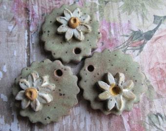 Scalloped Disc with Daisy Handcrafted Pendant, Daisy Pendant, Art Bead, handmade ceramic pendant, handmade beads, tracee