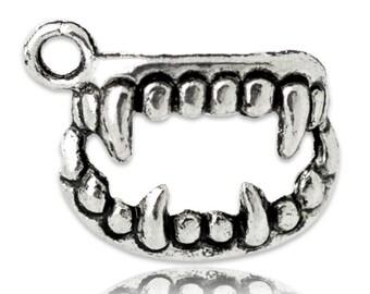Vampire Teeth - Set of 50 - #T109B
