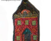 Wee Quilted House No. 2016F