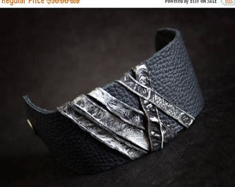 40% OFF SALE Leather cuff bracelet Women cuff Leather jewelry Wristband Casual Elegance collection. Black and silver
