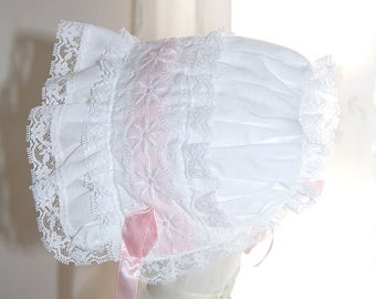 Vintage Bonnet Baby Girl White Lace Cotton Ruffled Pink Trim Bonnet Frilly Bonnet Baby Shower Present Easter Made in USA Size 12 Months