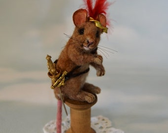 Narnia Reepicheep Rat Mouse Realistic Life Size Tan Alpaca & camel Needle Felted Vintage Wooden Thread Spool