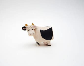 Artesania Rinconada Vintage Holstein Black And White Cow Figurine Model 194 Retired Made In Uruguay Signed AR
