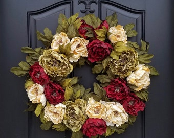 CHRISTMAS WREATHS, Holiday Wreaths, Front Door Wreaths, Holiday Home Decor, Holiday Entertaining, Red Wreaths, Peony Wreath