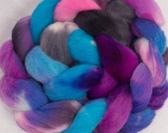 Hand dyed roving, British Southdown spinning wool, hand painted roving, sock  fibre, combed top  115g, Colour; Amberley