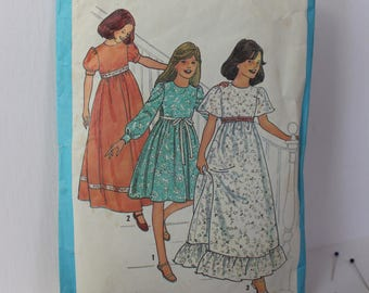 1970s Girls' Dress in Two Lengths, Simplicity 8323, c1977