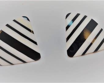 80s Black/White laminated striped Lucite stud earrings