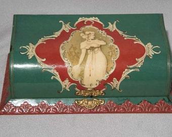 Nouveau Victorian Edwardian Celluloid Box W Pretty Lady