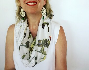 Womens Summer Stylish Floral Reversible Infinity Scarf w flower motif and polka dot print Casual Scarf Womens Accessories, White Green
