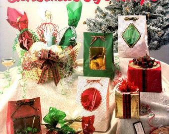 Quick and Pretty Christmas Gift Wrap Learn How to Make Bows Gift Tags Baskets Package Odd Shapes Craft Pattern Leaflet Leisure Arts 1026