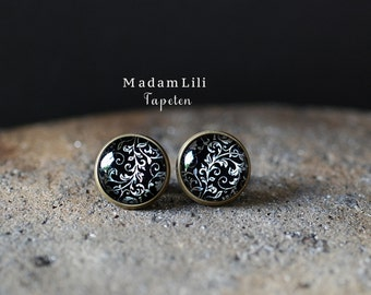 Oriental Wallpapers Ear studs