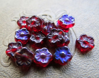 NEW TINY RED Flowers . Czech Pressed Glass Flower Beads . 7 mm (25 beads)
