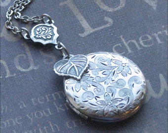 Silver Locket Necklace, Flower Jewelry, Love Garden Locket, Leaf, Round Locket, Photo Picture Locket, Wedding Jewelry, Stocking Stuffer GIFT