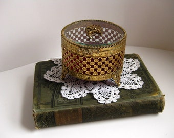 Vintage  jewelry casket 1960s round trinket box Gold metal jewelry casket