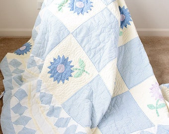 Pastel Floral Throw Quilt