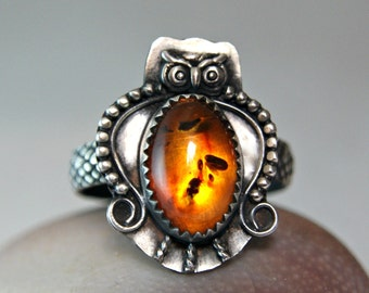 Uniqe Blatic Amber Statement Ring, Oxidized 925 Sterling Silver Owl Jewelry, Nature Ring, Bohemian Style Jewelry