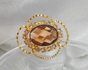 ON SALE Vintage Rhinestone Brooch. Brown Glass Faceted Stone. Clear Rhinestones.