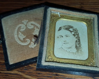Pocket Size Antique Portrait of A Woman in Tintype Frame