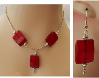 Silver and Red Pendant Necklace and Earrings Set NEW Adjustable Accessories Chain Acrylic