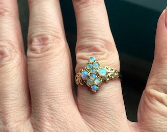 Opal Ring - 9k Gold - Wedding Jewelry - Vintage