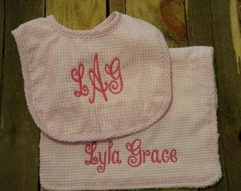 Personalized monogram baby bib and burp cloth set/pink seersucker baby bib nd burp cloth set