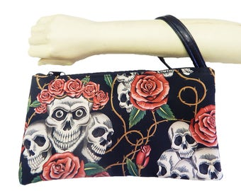 """USA Handmade Clutch Purse, Pouch Wristlet Makeup Bag With """"Skulls Pink Roses"""" Pattern Cosmetic bag, New, RARE"""