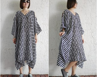 One Of A Kind - Cold Shoulder Black And White Graphic Pinted Light Cotton Kaftan Dress Poncho Dress Women Tops Maxi Dress
