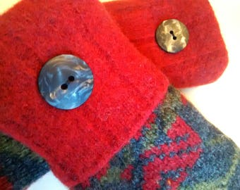 Red, charcoal gray and green medium mittens, recycled sweaters, women's mittens, fleece lined mittens, mittens with buttons
