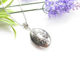 Antique Oval Locket In Silver With Leaf Design - Vintage Style Locket, Long Chain, Large Locket, Designer Locket, Picture, Stainless Steel