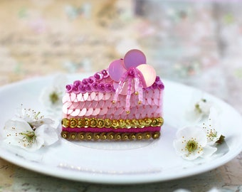 Sakura Cake Brooch, Pink Cake Slice, Cherry Flower Cake, Kawaii Food Jewelry, Gold Pink Sequins, Felt Embroidery, Romantic Statement Brooch