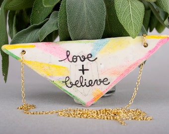 Love and Believe, Pencil Drawing on Air Dry Clay, Ceramic Pendant, Triangle, Geometric, Modern Jewelry, Handmade, Rainbow, Schmuck,Halskette