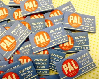 Vintage PAL Super Single Edge Safety Razor Blades Lot (30) Each Paper Wrapped Pieces Barber Shop Display