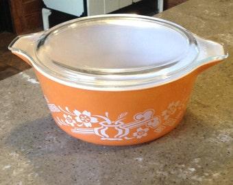 Vintage Pyrex Promotional Pumpkin Orange Dynasty Glass 2.5L Casserole Dish with Matching Lid