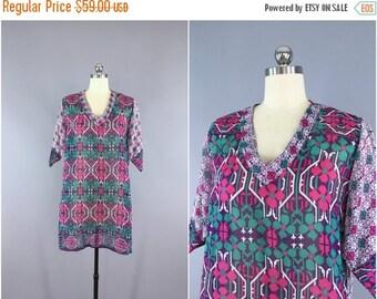 SALE - Indian Cotton Caftan Dress / India Vintage Indian Cotton Sari Dress / Tunic Kaftan Dress / Swim Coverup / Purple Floral Print / M Med