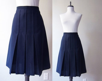 Vintage 1970s Skirt / Navy Blue Sailor Mod Pleated Skirt / Size Medium / Size Large