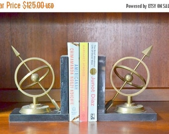 SALE 25% OFF vintage mid-century marble and brass sundial bookends / hollywood regency home decor / vintage library bookends