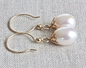 Large Freshwater Pearl Earrings, Filigree Earrings, White Pearl Earrings, Large Pearl Earrings, Pearl Dangle Earrings, Gold Jewelry for Her