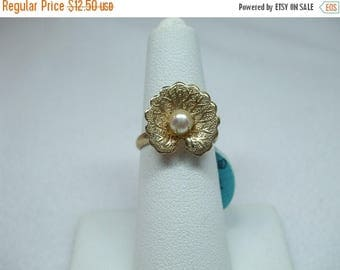 SALE 50% OFF Vintage Pearl  in clam shell one small one big cultured pearl adjustable size goldtone