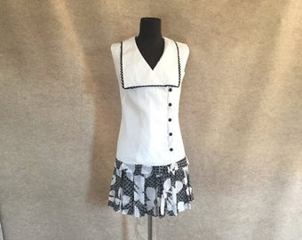 Vintage 60's Sleeveless Dress, Mod Minidress, Black and White Floral, Women's Size Small, Bust 34