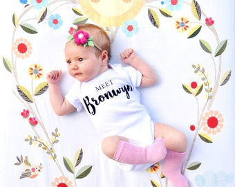 Baby Girl Birth Announcement, Pink Take Home Outfit, Hospital Outfit, Baby Girl, Gender Reveal, Newborn Photo Session Prop, Personalize Gift