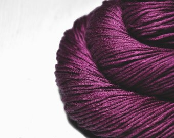 Burning red fuchsia - Silk/Cashmere Fingering Yarn