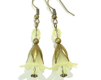 Vintage Style Brass & Lucite Flower Earrings - Pale Yellow