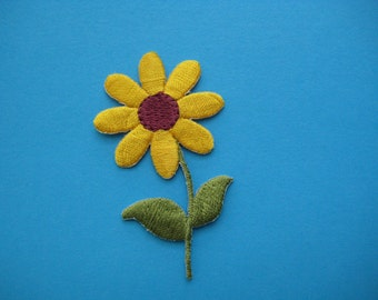 SALE~ 2 pcs Iron-On embroidered Applique FLOWER 2.5 inch