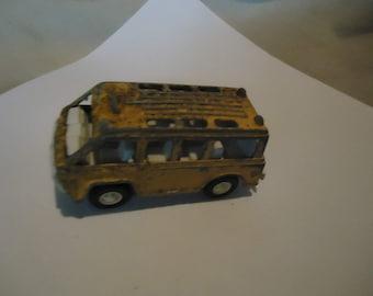 Vintage 1970 Tootsietoy Yellow Bus, collectable, USA